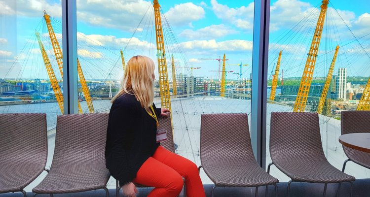 best place to stay near the O2 arena london where is tara