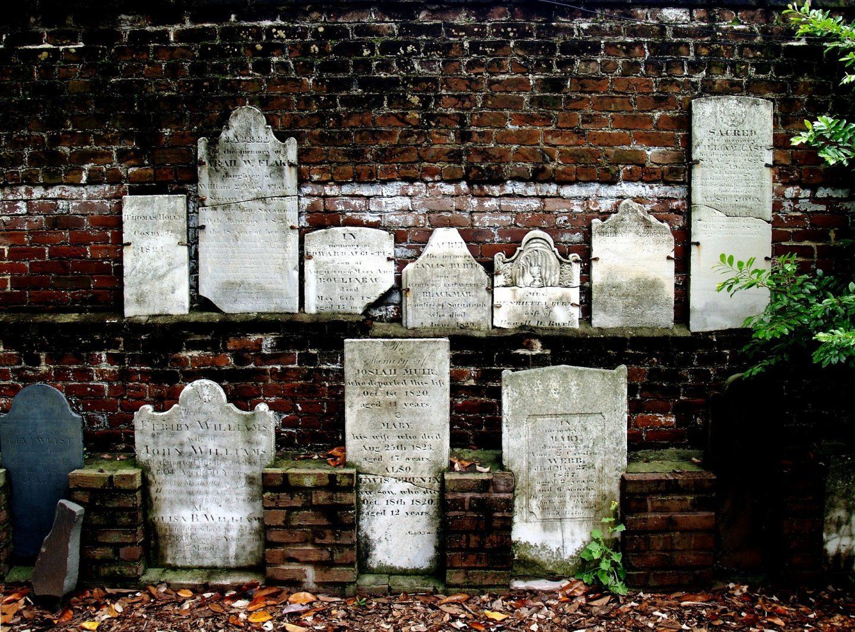 Savannah graveyard cemetery