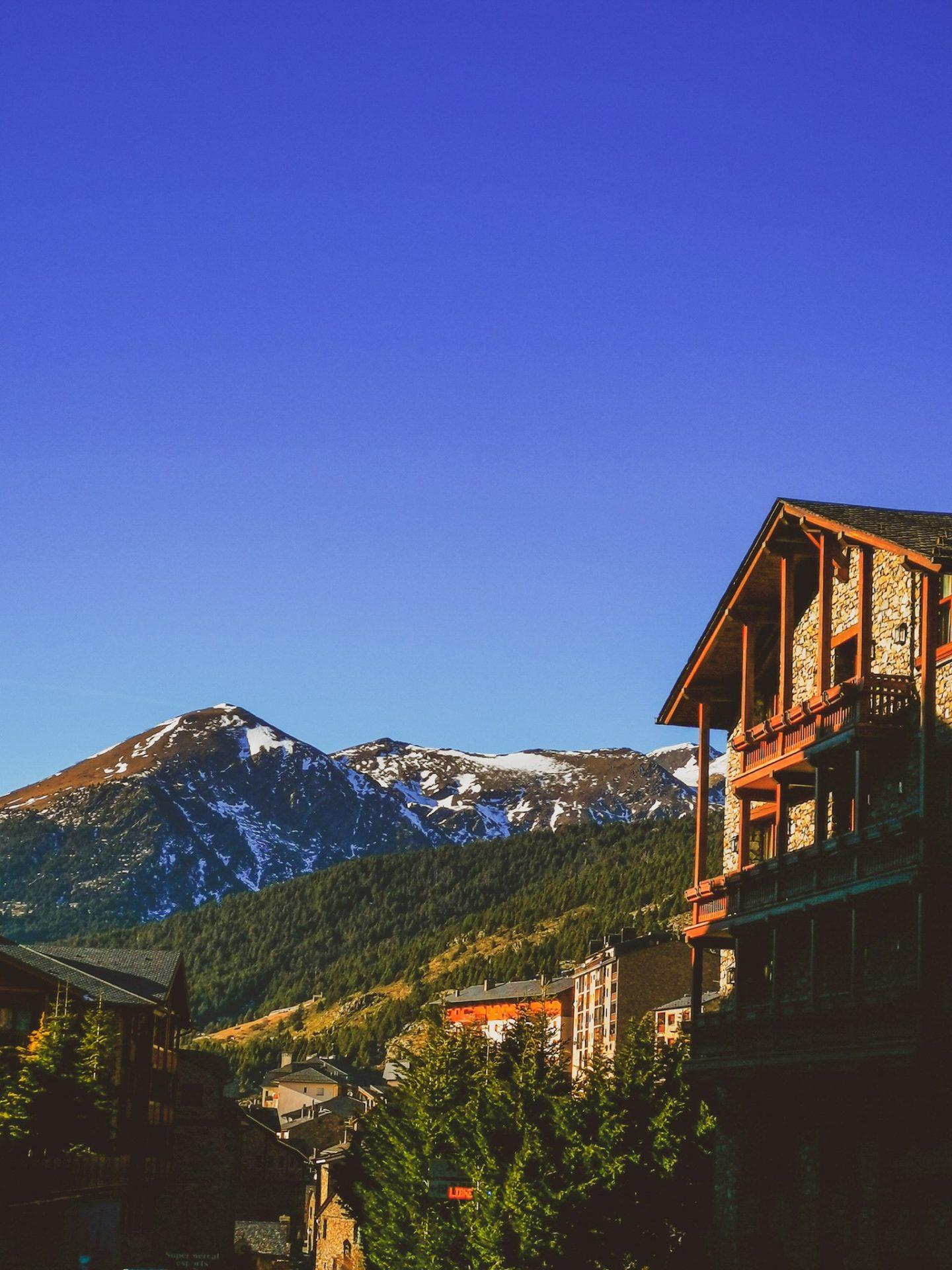 Skiing in Andorra Arinsal Pas de la Casa Soldeu